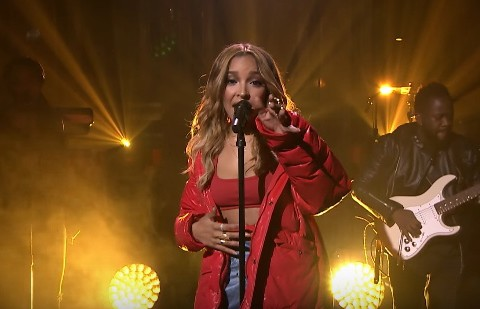 Watch Tinashe Performs Flame On Jimmy Fallon Show