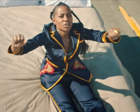 New Video DeJ Loaf - No Fear