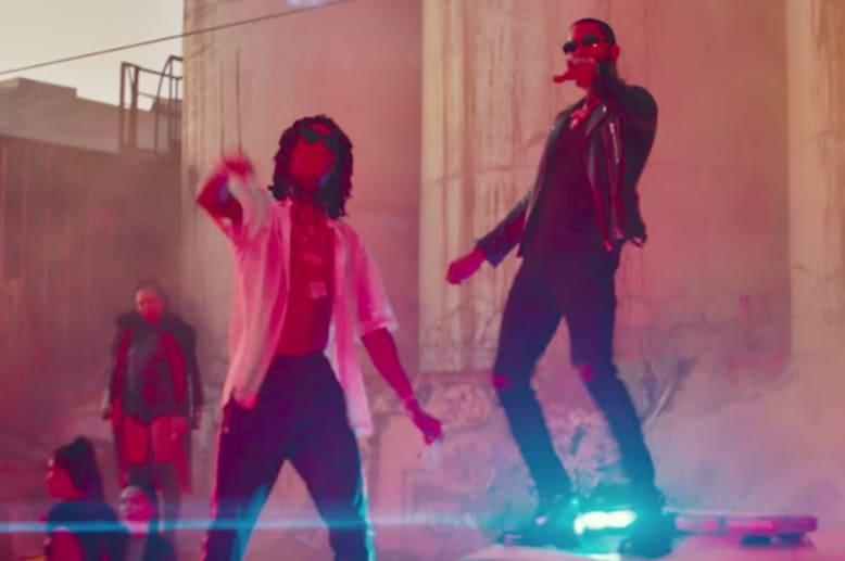 New Video Dave East (Ft. Wiz Khalifa) - Phone Jumpin