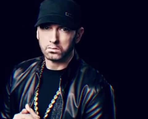 Watch Eminem Performs Walk On Water With his Classics Songs On SNL