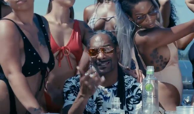 New Video Snoop Dogg (Ft. October London) - Go On