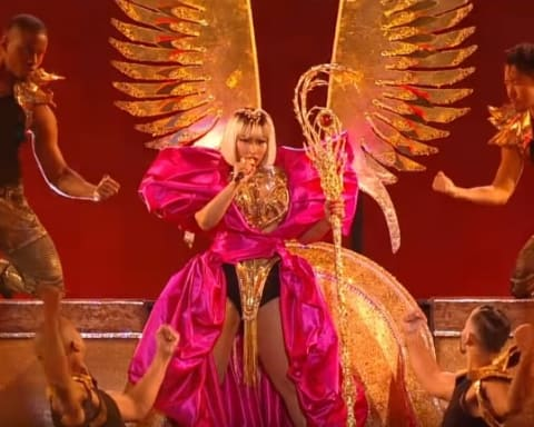 Watch Nicki Minaj Performs 'Majesty', 'Barbie Dreams' & 'FEFE' at MTV VMAs 2018