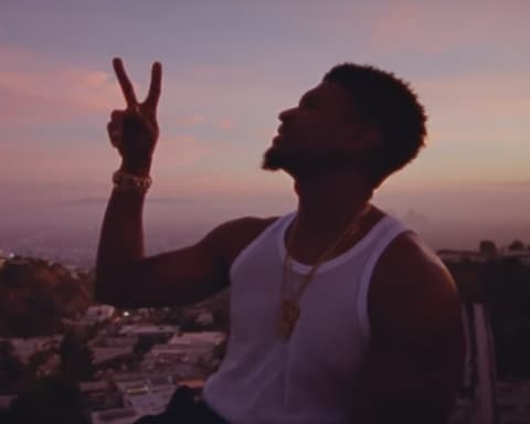 New Video Usher - Peace Sign