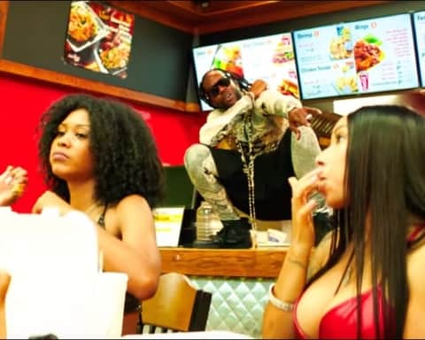 New Video 2 Chainz - Hot Wings