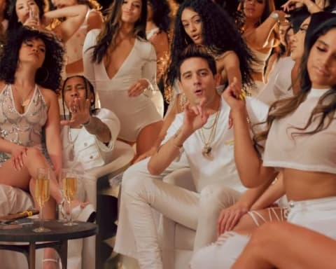 New Video Tyga (Ft. G-Eazy & Rich The Kid) - Girls Have Fun