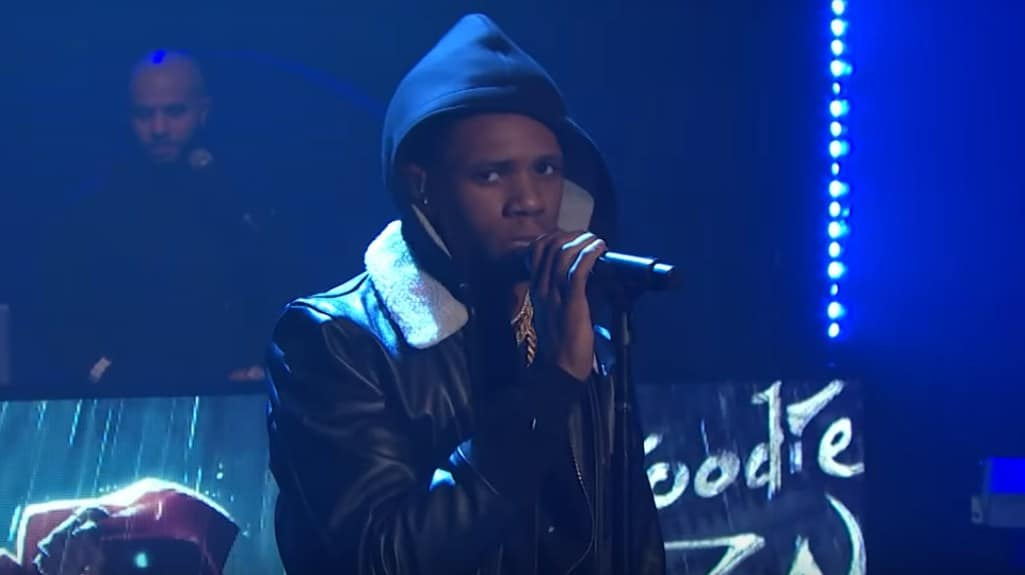 Watch A Boogie Wit Da Hoodie Performs 'Look Back At It' on Seth Meyers Show