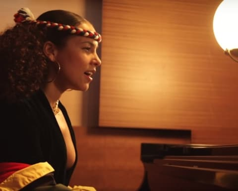 New Video Alicia Keys - Raise A Man