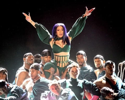 Watch Cardi B & Offset Performs 'Clout' & 'Press' at BET Awards 2019