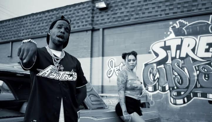 New Video Currensy - Eyes Closed