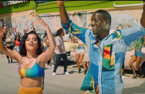 New Video Akon - Como No (Feat. Becky G)