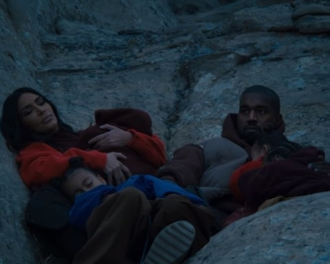 New Video Kanye West - Closed on Sunday